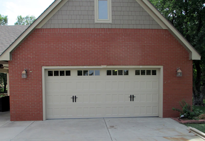 garage door with custom handles